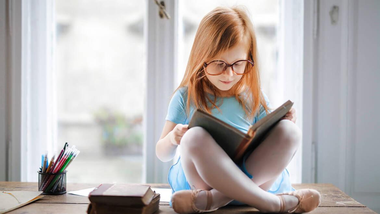 Από ποια ηλικία το παιδί μου μπορεί να φορέσει γυαλιά και από ποια φακούς επαφής;